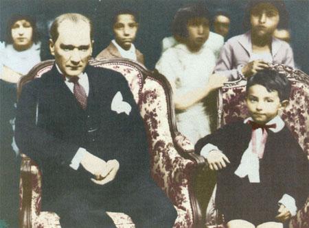 23 Nisan Eski, Atatürk
